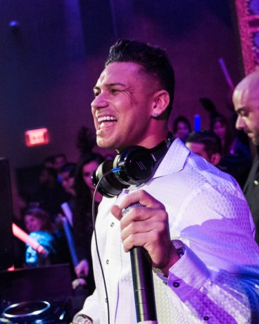 DJ Pauly D at Vanity Nightclub for NYE