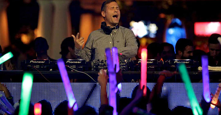 Kaskade at XS Nightclub