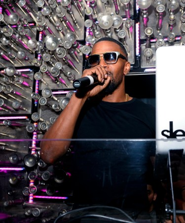 Jamie Foxx performs at Hyde Bellagio