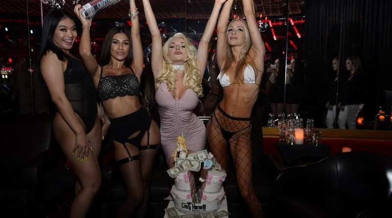 Courtney Stodden Celebrates with Cake
