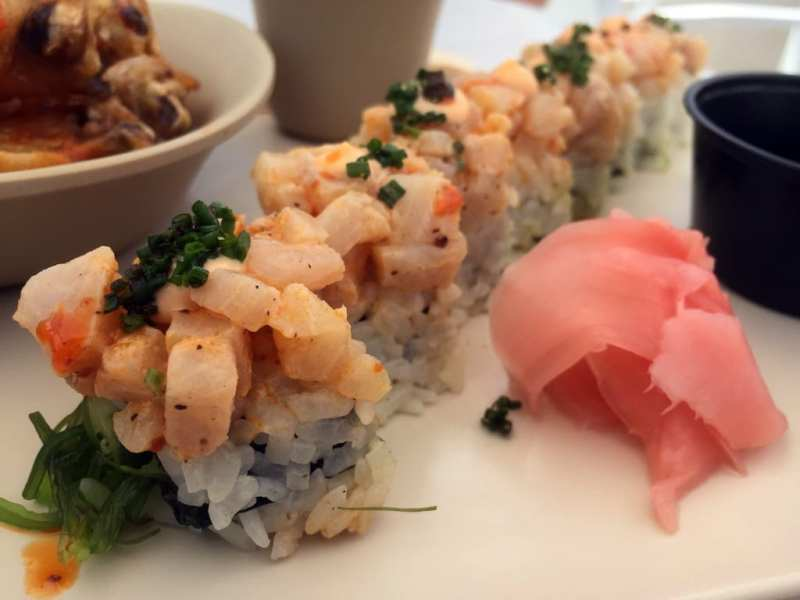 Poke Roll - Drai's Cafe - Photo by Jeremy Womack