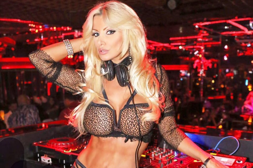 Brittany Andrews to Host Birthday Party at Crazy Horse 3