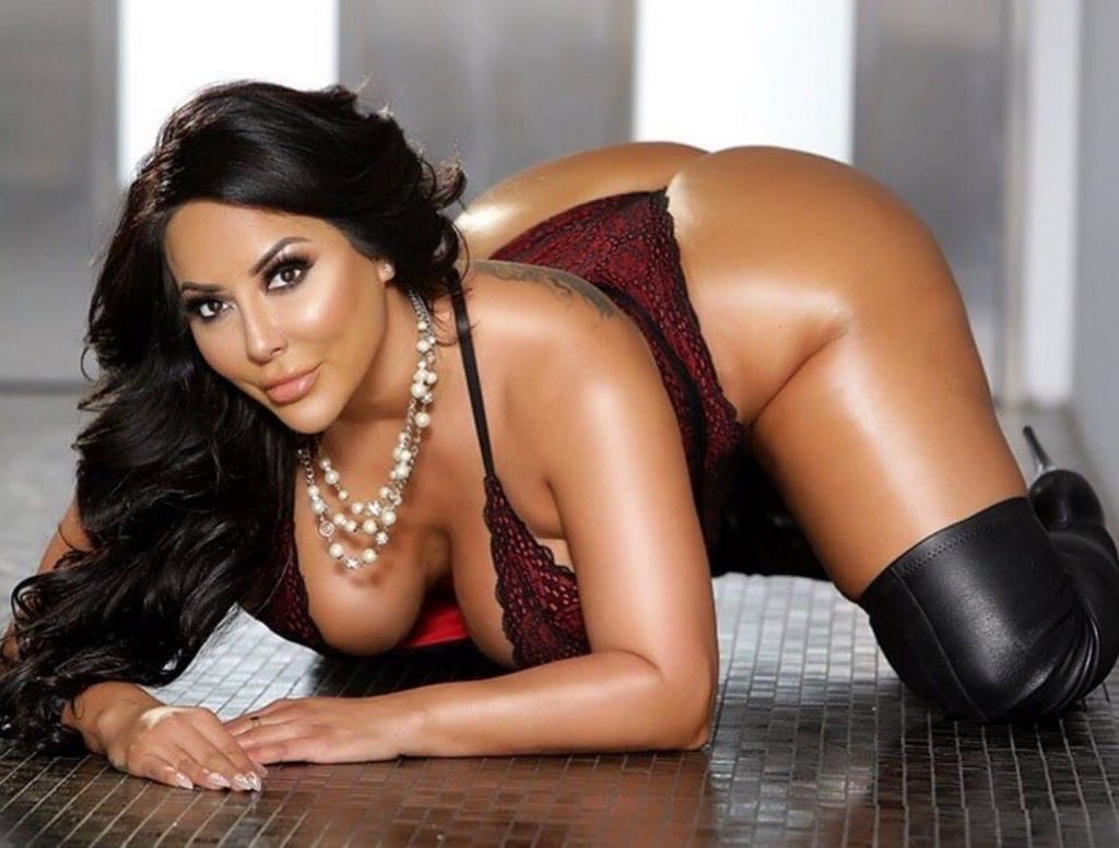 Kiara Mia to Host Late-Night Bash at Crazy Horse 3 Gentlemen's Club