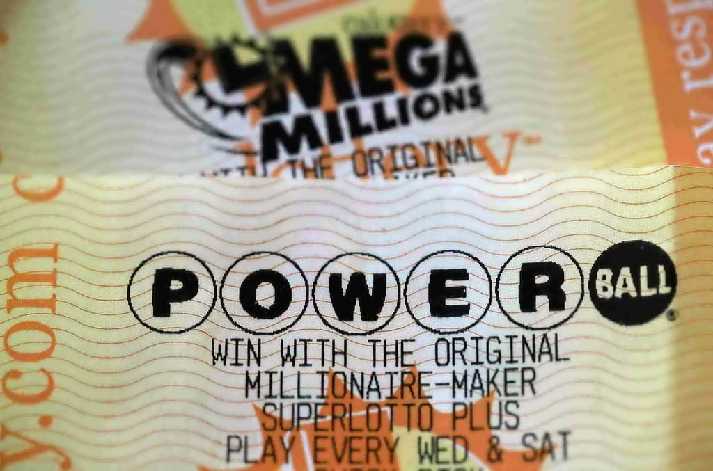 Plaza Hotel & Casino Mega Millions Ticket Redemption - Free Slot Pull