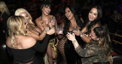 Kiara Mia - Cheers with Friends