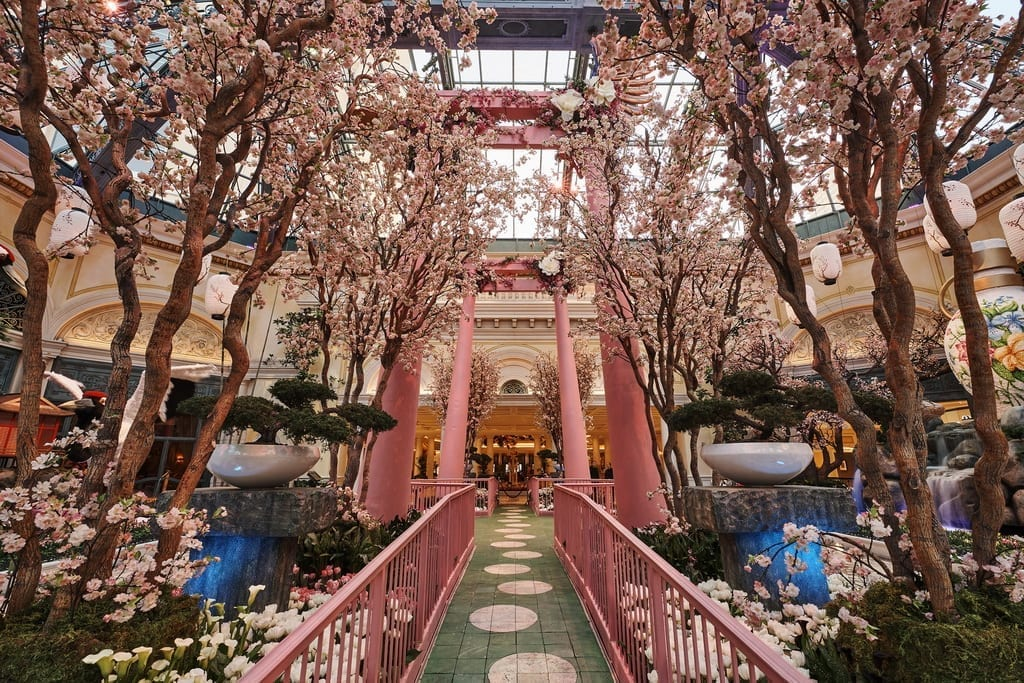 Bellagio's Conservatory & Botanical Gardens Celebrates Japan