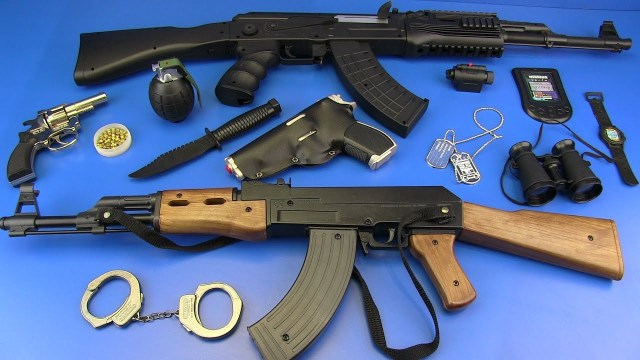 Fake guns banned in Downtown Las Vegas district, but real guns are OK