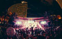 Choosing Nightclub And Pool Party In Las Vegas