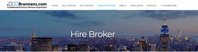 Изображение домашней страницы сайта брокерского сервиса Brannans.com с панорамным видом города.
