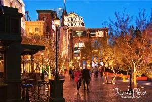 Walking on Las Vegas Strip