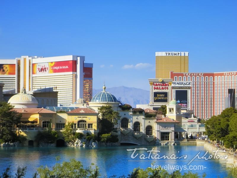 Villa Bellagio and Lake on Las Vegas Strip