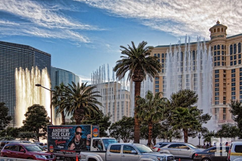 Bellagio water fountains at rush hour on Las Vegas Strip