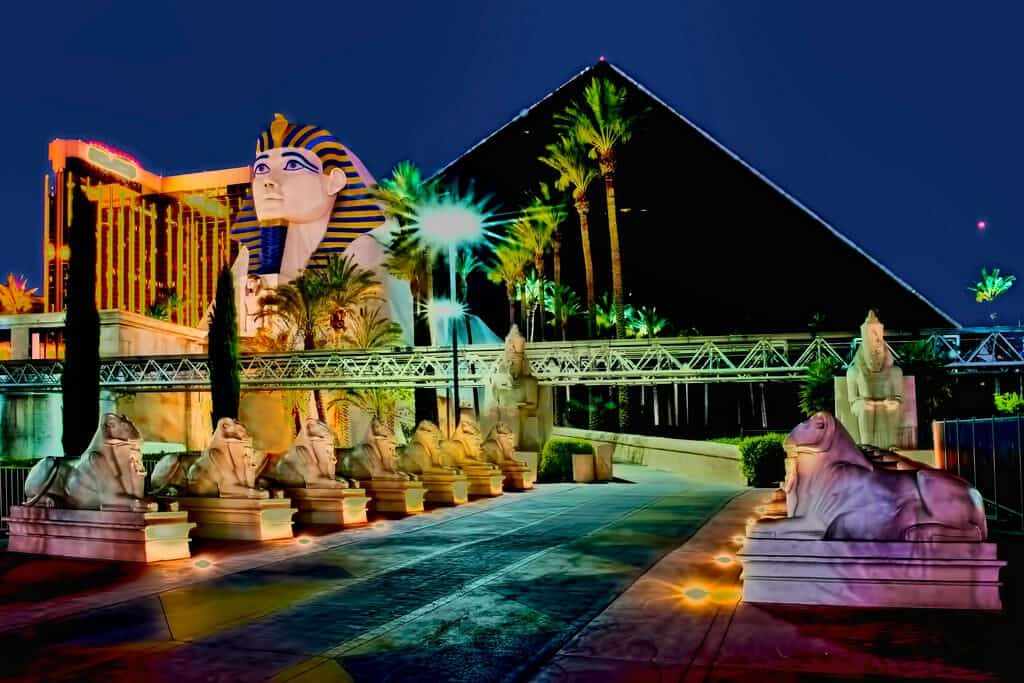 Luxor Hotel and Casino - Cheap Las Vegas Hotels on The Strip