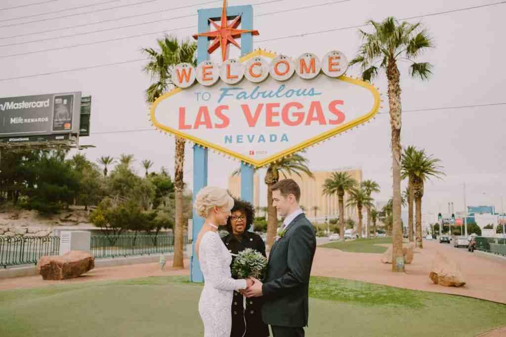 The Las Vegas Sign - Things to do on Vegas Strip