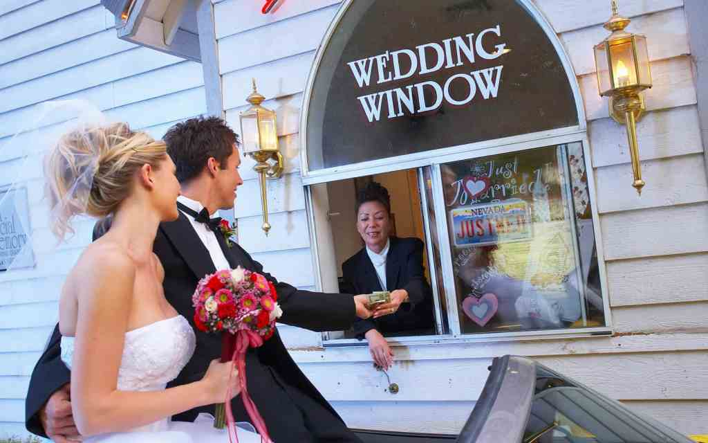 World Famous Drive-up Wedding in Las Vegas - Las Vegas Wedding Chapels