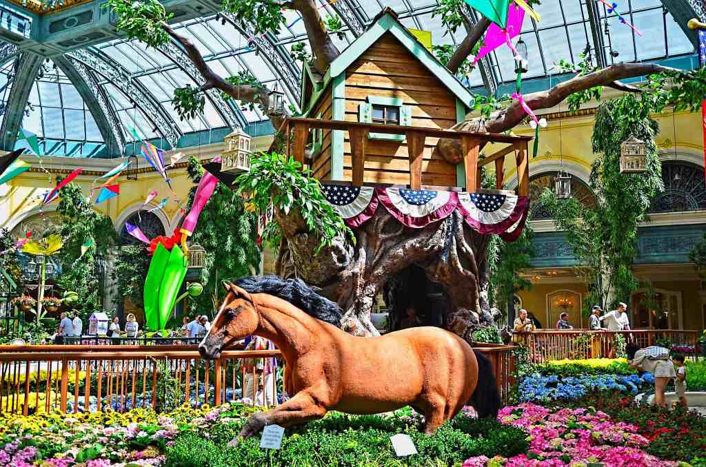 Bellagio Conservatory - Things to do in Vegas with Kids