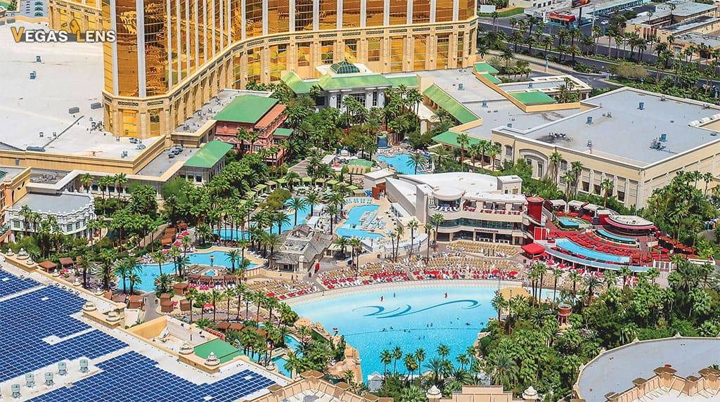 Mandalay Bay Pool - Family Pools In Las Vegas