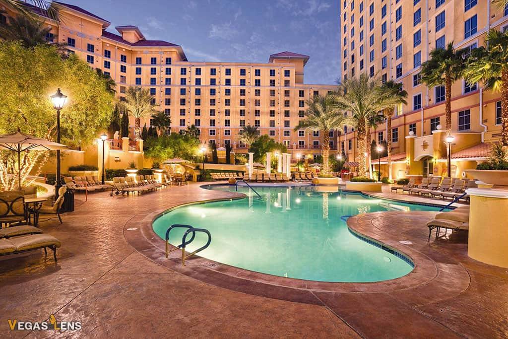 Wyndham Grand Desert - Best Vegas hotels for kids