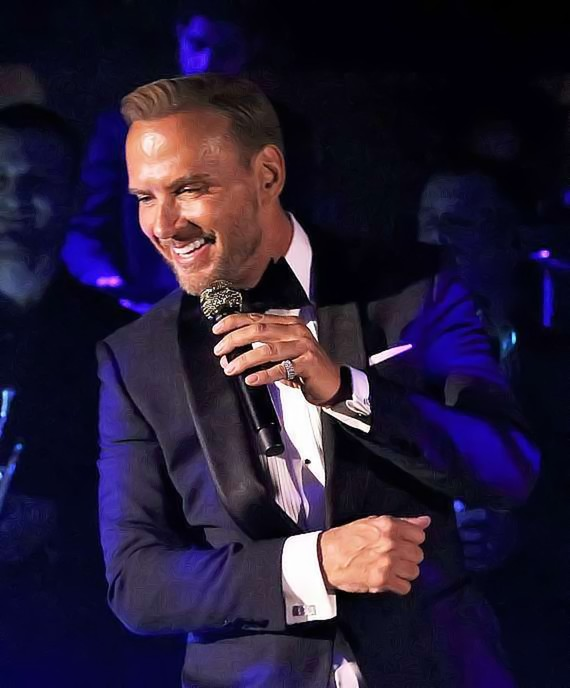 Matt Goss Celebrates 10 Years as a Las Vegas Headliner and Receives Two Humanitarian Awards
