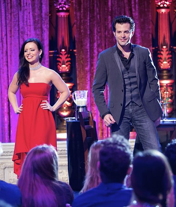 """Magicians Kyle Knight and Mistie Win $10,000 on Syfy's """"Wizard Wars"""""""