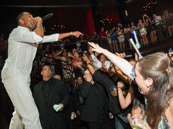 Ginuwine performs at LAX Nightclub