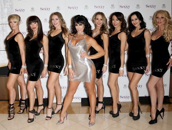 """""""Sexxy The Show"""" Starring Jennifer Romas Performs 900th Show at Westgate Las Vegas Resort & Casino!"""