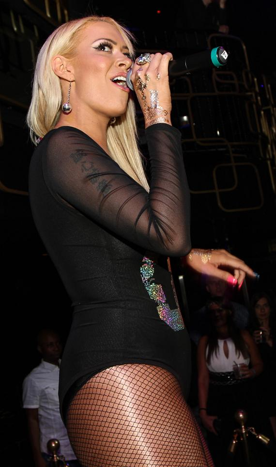 Singer Kaya Jones Performs Live at The Bank Nightclub for Album Release Party