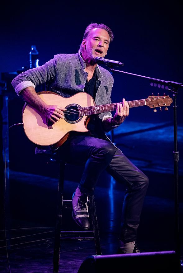 Kenny Loggins Makes His Debut at Wynn Las Vegas' Encore Theater