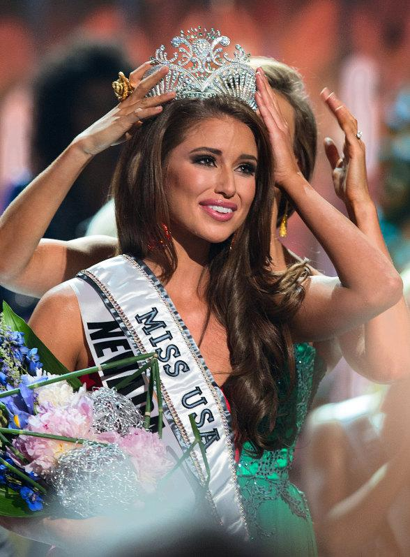 Nia Sanchez, Miss Nevada USA 2014, is announced as Miss USA 2014