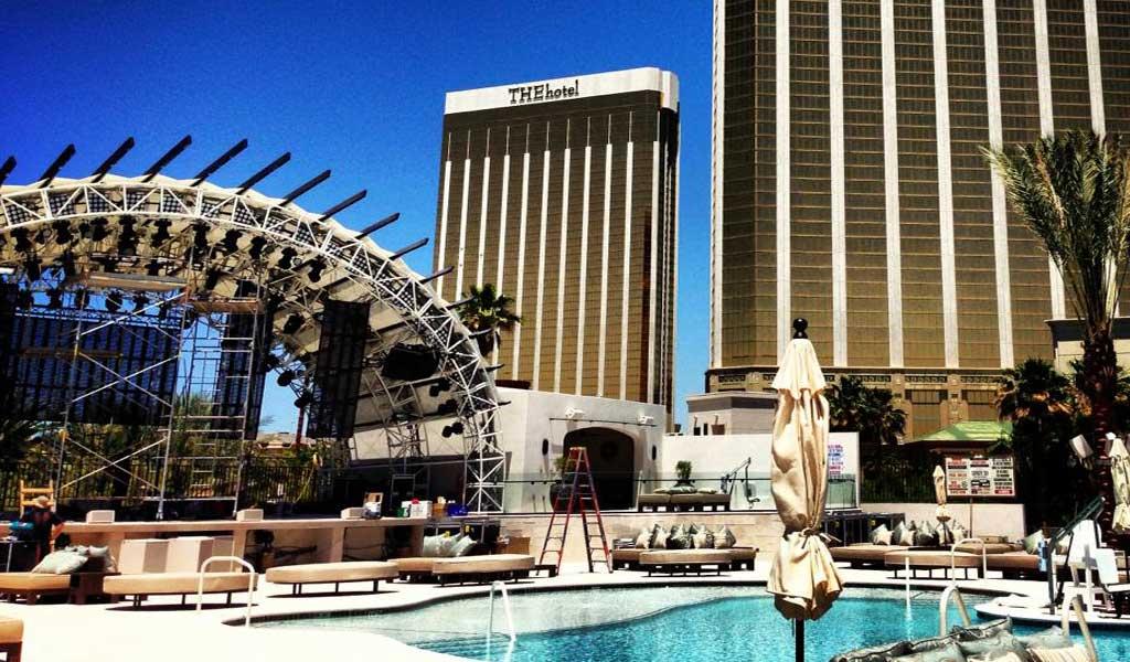 Daylight Pool Las Vegas