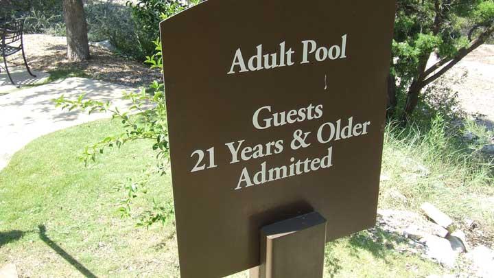 Adult Pools in Vegas