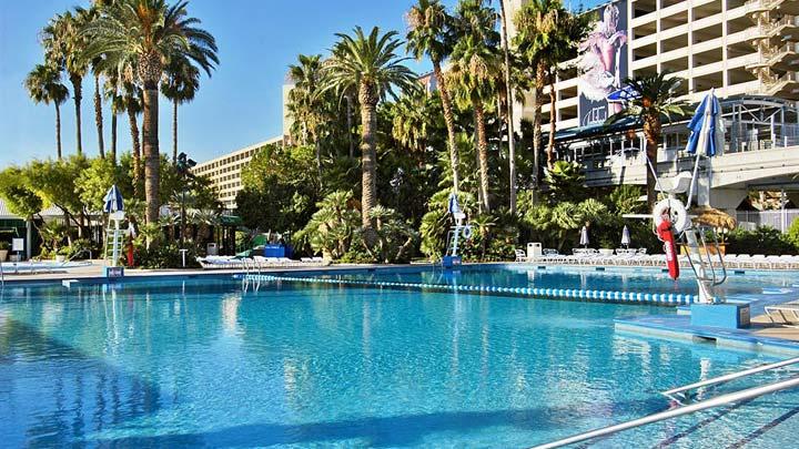 Bally's Hotel Pool Las Vegas
