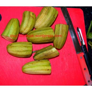 Raw Bananas Peeled