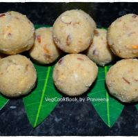 Atukulu / Poha Laddoo / Energy Balls with Flattened Rice Flakes