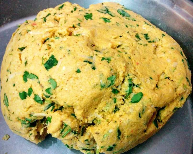 Makki Mooli Methi Paratha Recipe Instructions