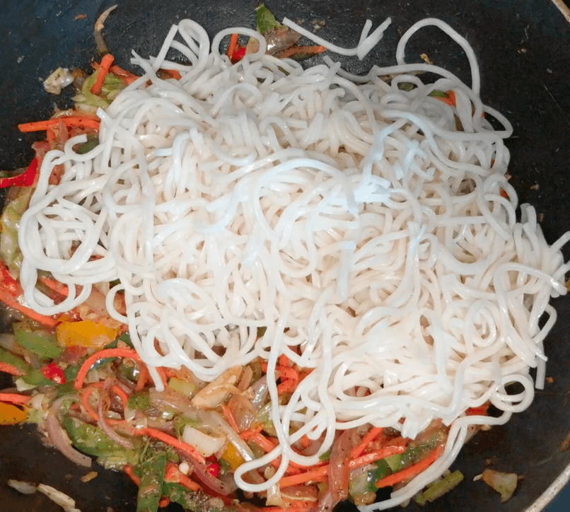 Veg Hakka Noodles Recipe with Step By Step Instructions 14