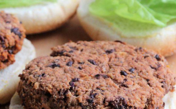 Burgers vegan aux haricots noirs et quinoa