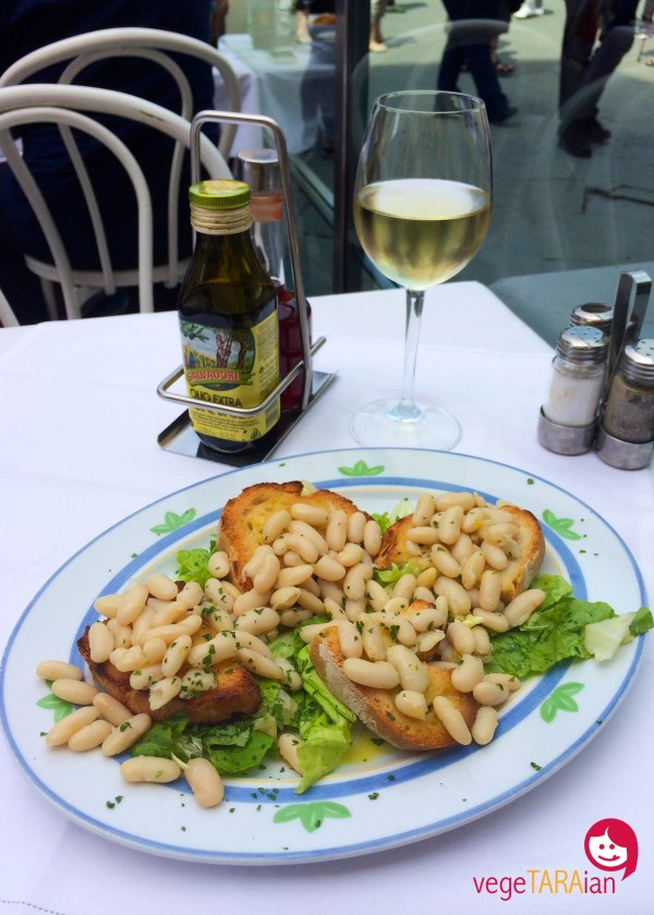 White bean bruschetta in Florence