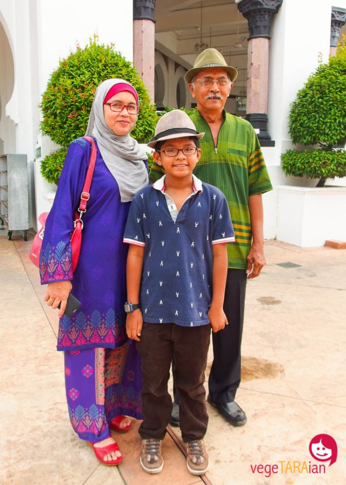 Aziz, Asiah and Azam, hosts of SukaSuka Lake Retreat, Perak Malaysia