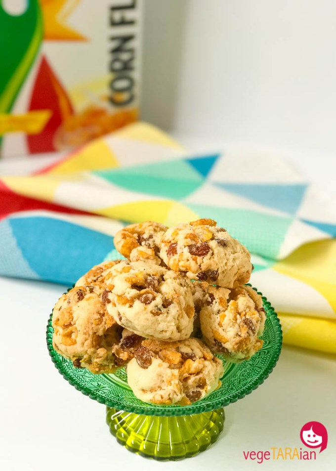 Easy vegan vanilla rock cakes with corn flakes and sultanas