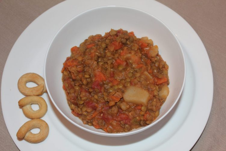 Lentil Stew recipe by Vegetarian Atlas.