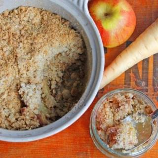 Parsnip and Apple Crumble (crisp) | Veggie Desserts Blog