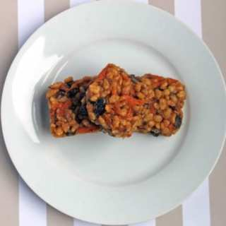 Carrot and Peanut Butter Rice Krispie Squares | Veggie Desserts Blog