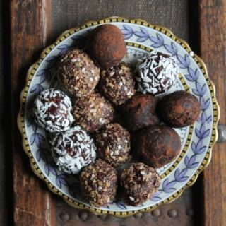 Beetroot Chocolate Protein Balls | Veggie Desserts Blog
