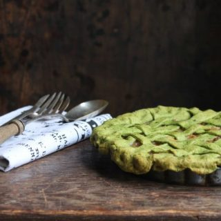 Apple Pie with Kale Crust | Veggie Desserts Blog