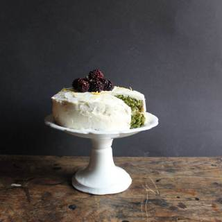 Lemon and Stinging Nettle Cake with Lemon Icing | Veggie Desserts Blog