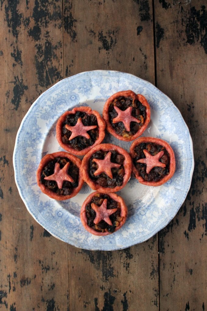 Christmas Mince Pies with Beet Pastry | Veggie Desserts
