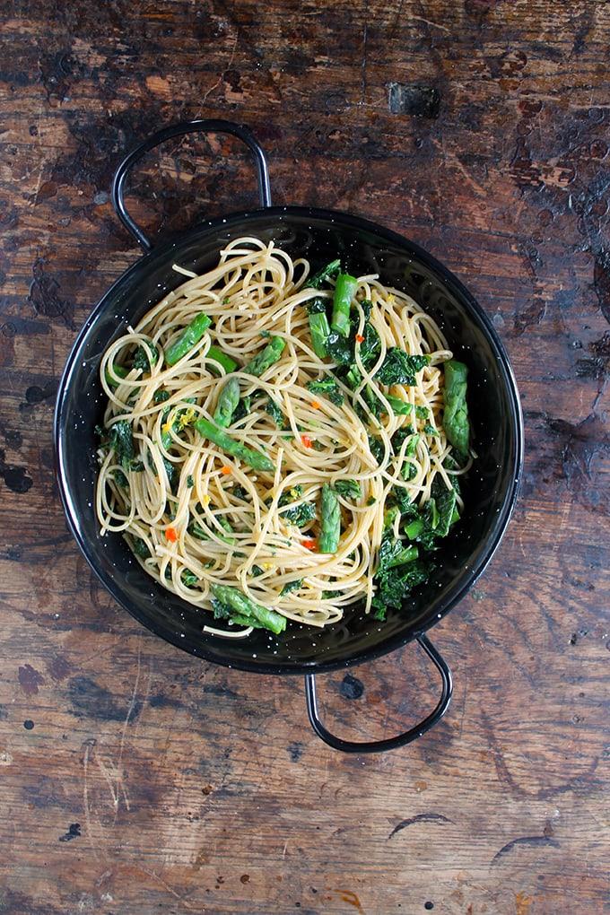 Spaghetti with Kale, Asparagus, Lemon and Chilli   Vegan   Veggie Desserts Blog