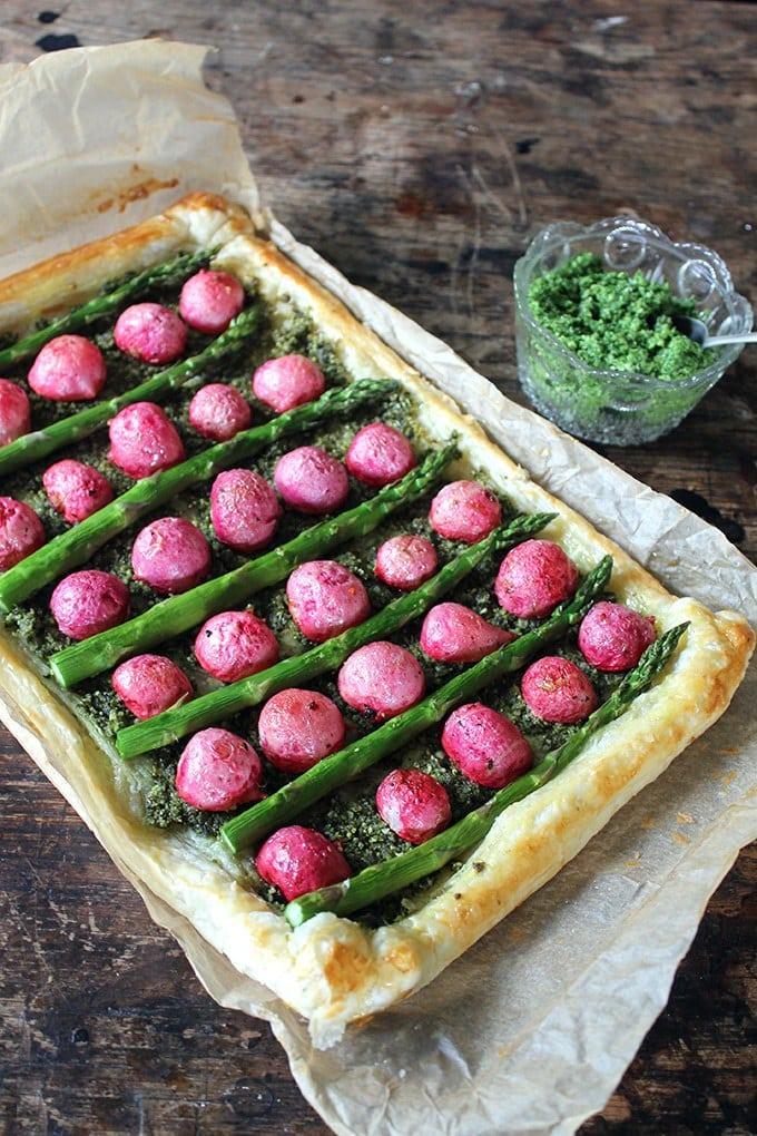 Roasted Radish and Asparagus Tart with Pumpkin Seed and Kale Pesto | Veggie Desserts Blog