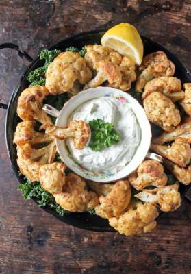 Cauliflower Wings with Herb and Garlic Dip | Veggie Desserts